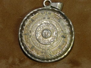 Vinatage sterling silver pendant